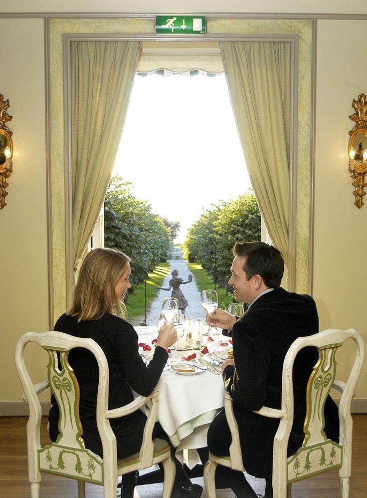 Romantic getaway, romantic weekend, gourmet dinner, fine wine