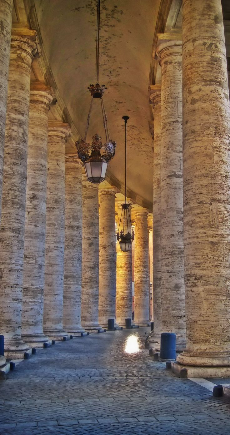 St. Peter's Square is a must-see when traveling to Italy. Click to read the best Rome and Vatican travel guide, with all the top recommendations for your trip!!