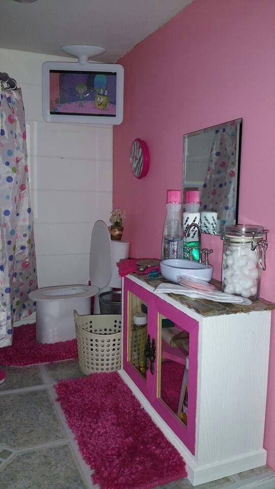 Follow My dolls house ideas on pinterest for more inspiration. American girl dollhouse bathroom