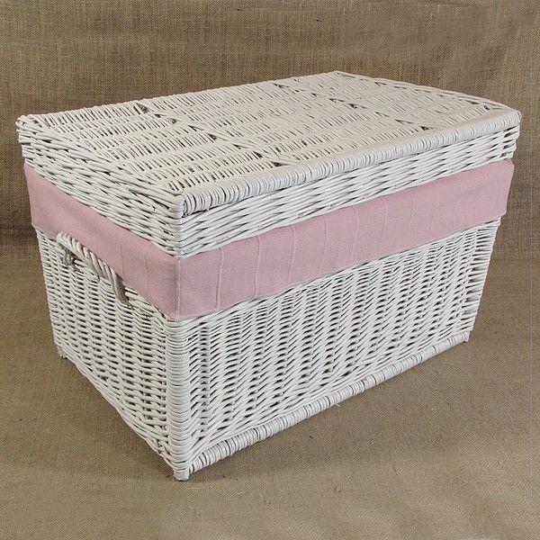 Wiklinowy kufer z płaskim wiekiem - biały z obszyciem (różowy)