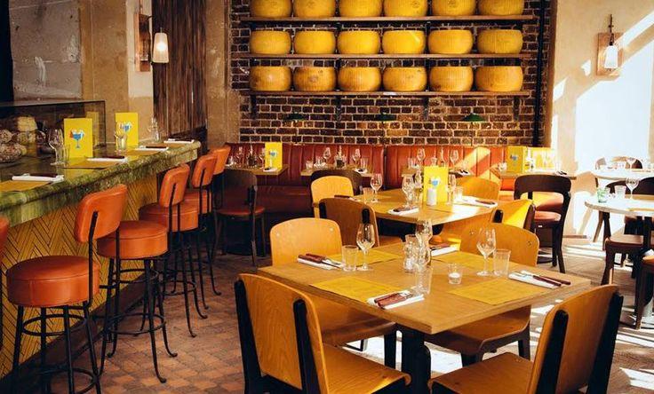 """East mamma. Restaurant italien (cuisine familiale). Bruschetta, pâtes, pizzas, plat du jour, desserts maison. Ouvert tous les jours (midi et soir). Comptez 15 à 25 €. Site : http://www.bigmammagroup.com/east-mamma/ - Adresse : 133 faubourg saint antoine 75011 Paris. Tel 01 43 41 32 15. Métro """"Ledru Rollin"""" (ligne 8). Bus 86."""