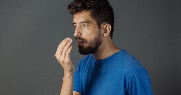Ένας στους τρεις ανθρώπους εμφανίζει κακοσμία της στοματικής κοιλότητας, που μπορεί να έχει δυσάρεστες συνέπειες.Από τι προκαλείται η στοματική κακοσμία; Η