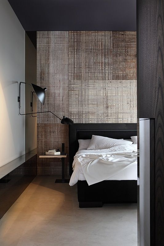 #natural_colors #black_accents #textured-wall #bedroom