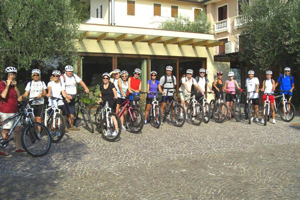 Una vacanza in bicicletta in Veneto lungo il fiume Brenta. Pedaleremo lungo la Ciclopista del Brenta fra Bassano del Grappa, Marostica, Levico Terme, Borgo Valsugana, Asolo e il Monte Grappa. http://www.jonas.it/vacanza_bici_elettrica_italia_1315.html