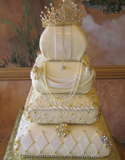 17 best images about pillow cakes on pinterest princess crown cake cakes and wedding cakes. Black Bedroom Furniture Sets. Home Design Ideas