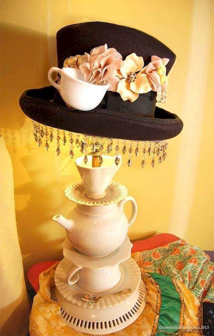 Adorable 40 Vintage Victorian Lamp Shades Ideas for Decorating Bedroom DIY https://roomaniac.com/40-vintage-victorian-lamp-shades-ideas-for-decorating-bedroom-diy/