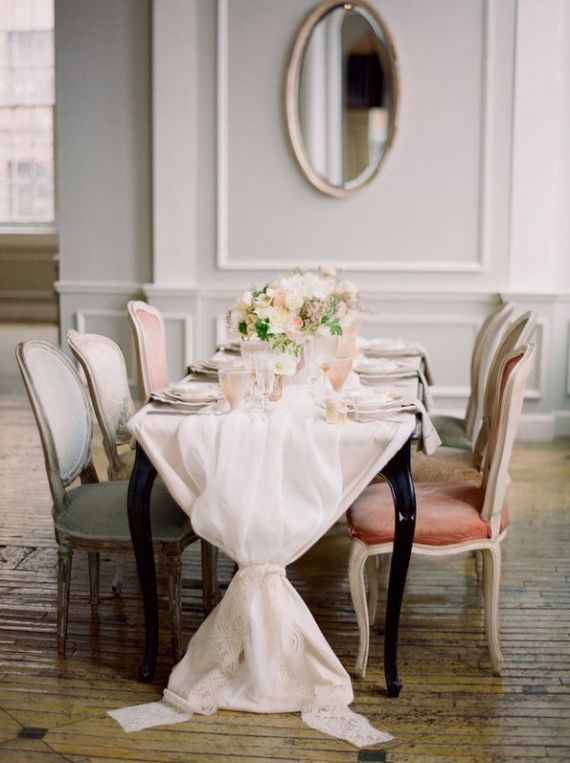 Head table - simple elegance with mis-matched chairs...photo credit: kt merry + aisle candy via style me pretty