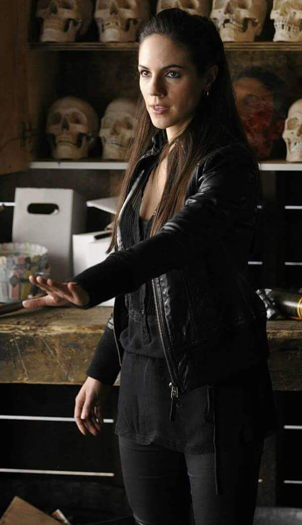 Bo Dennis (Anna Silk) Lost Girl Source: Queen Of The Shadows - Twitter