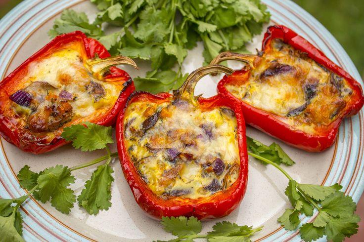 http://vitamincook.com/recipes/фаршированные-перцы-с-грибами-в-яйце-и/