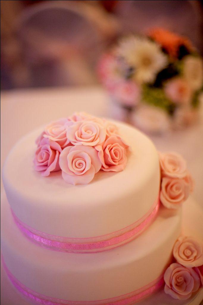 pink #weddingcakes - #weddings - #baliwedding - #baliweddingplanner - http://lilyweddingservices.com/
