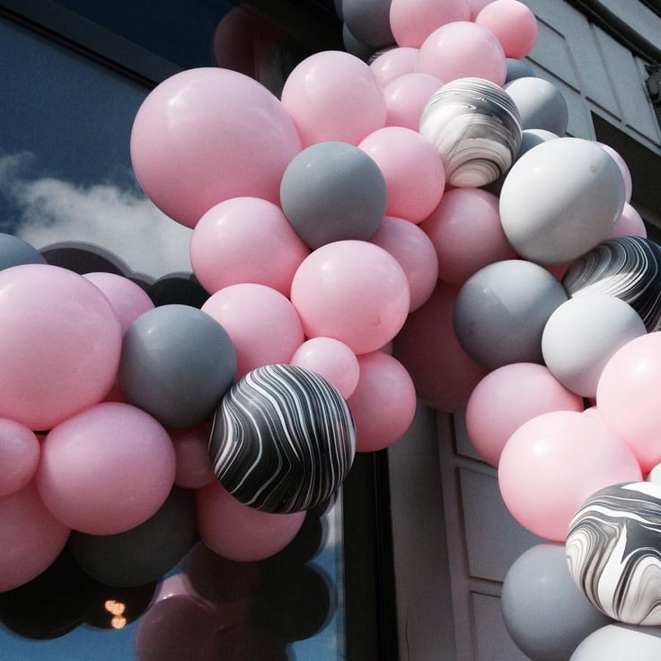 "84 Likes, 7 Comments - Oh My Party (@oh_my_party) on Instagram: ""New balloon garland for the Roomin small festival! Special activities and shops all weekend!…"""