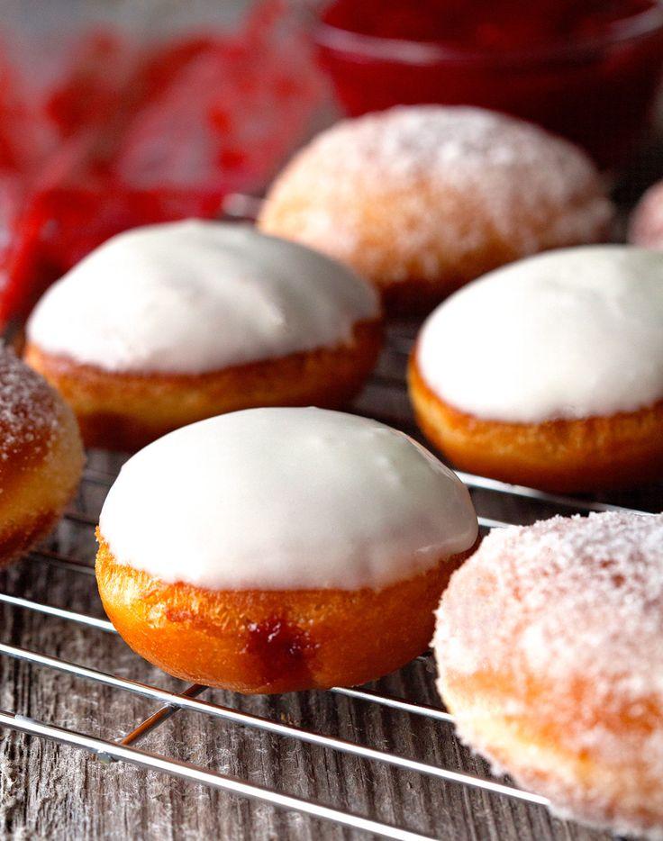 Jelly Doughnuts | Deliciously Yum! RECIPE http://deliciouslyyum.com/jelly-doughnuts/