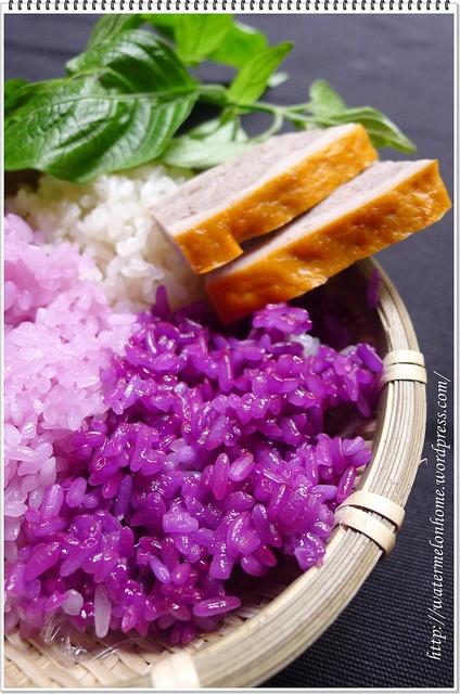 Vietnamese steam rice ,   Xôi lá cẩm
