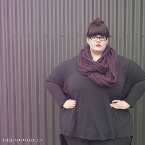 """Meagan from @thisismeagankerr, wearing our """"Blue skies ahead top"""" in her """"Aussie Curves"""" oversize post this week! Click here to read the whole post... http://thisismeagankerr.com/2013/07/20/aussie-curves-oversized/ Click here to buy the awesome top...http://www.harlowstore.com/tops/blue-skies-ahead-oversize-top-black/"""