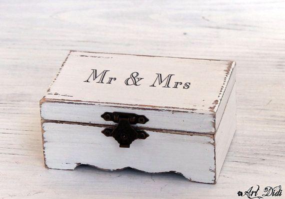Jewelry Cottage Chic box. Ring Box White ring box white by ArtDidi