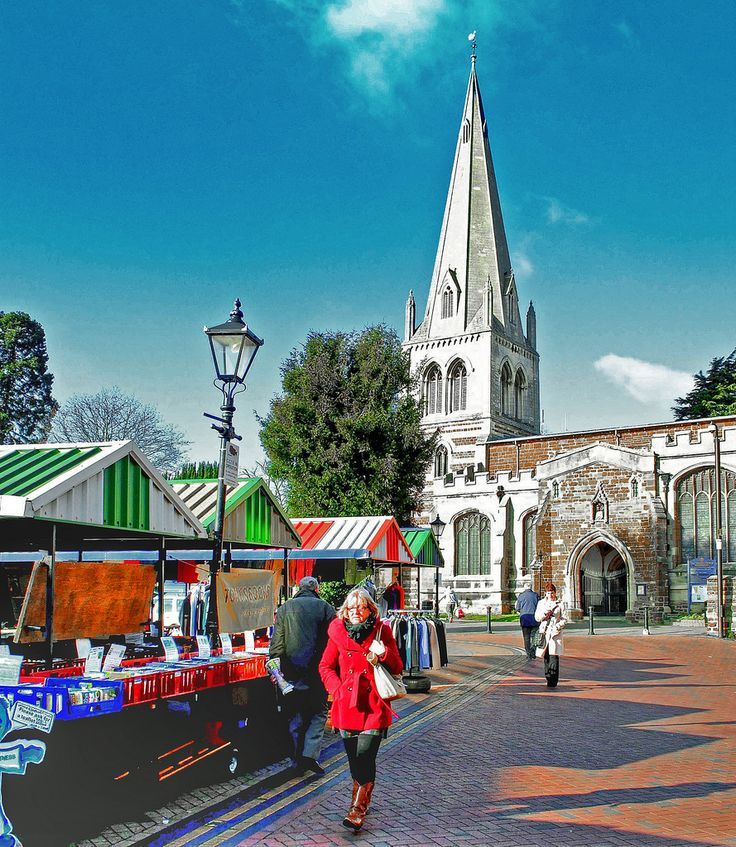 This Northamptonshire town's market square, which at one point in the past was a cattle market, is adjacent to All Hallows, the main church in the town.