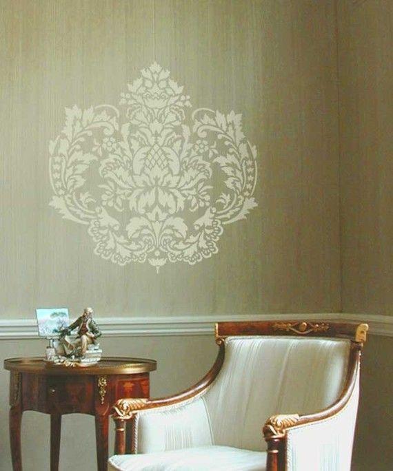 Elegante Damasque Schablone erstellt einen herrlichen Akzent auf ansonsten schlicht Wand über dem Sofa oder Tisch, oder über dem Bett oder ziemlich jede Wandfläche, die einiges Interesse benötigt. Versuchen Sie diese Schablone für Ihr nächstes Zuhause dekorativ Projekt. Trendige und kultiviert werden diese Fett erfrischend modern Wand Kunst Schablonen sofort Farbe und Muster ein ansonsten schlicht Wand bringen.    Damaris einzelnes Overlay Schablone angeboten hier im Großformat  Blattgröße…