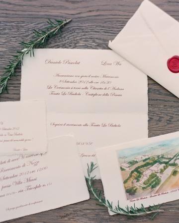 Love the red wax seal on this invitation's envelope #marthastewartweddings