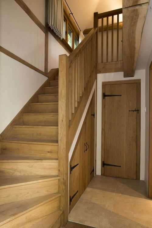 Oak staircase and gallery.