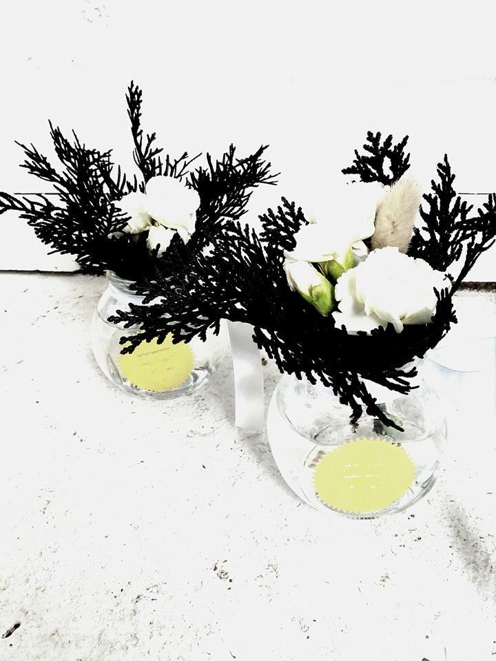 www.flowerpotts.co.nz contrast vase small miniature