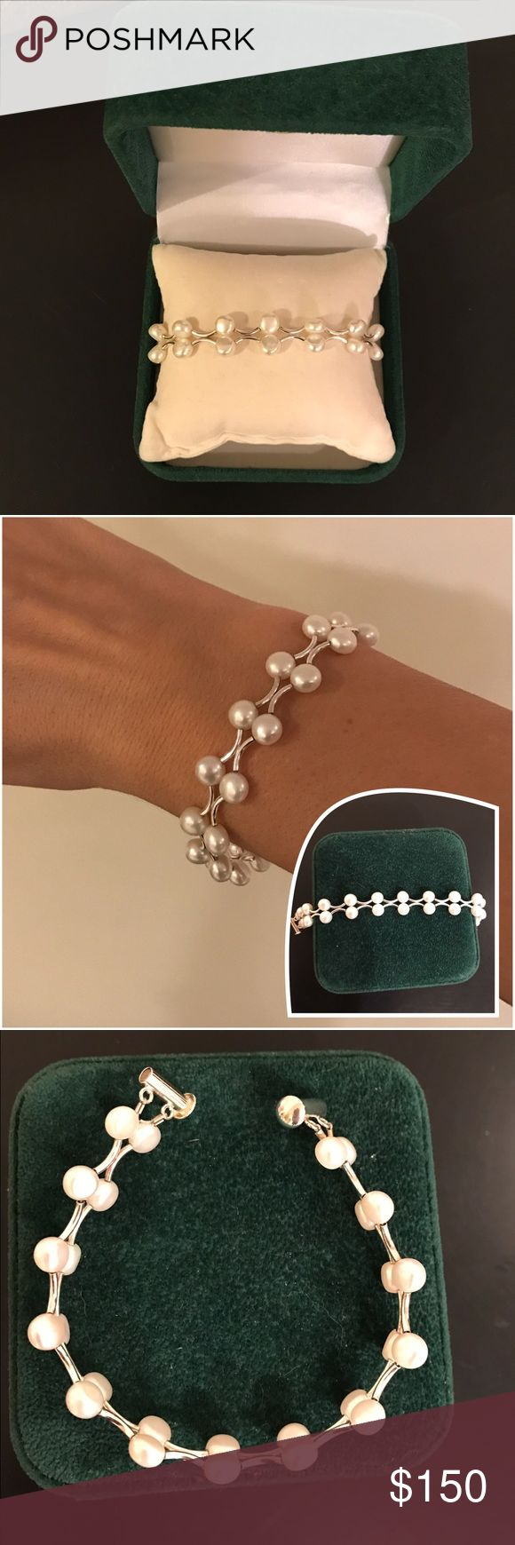 Pearl Bracelet ❤️Perfect for Valentine's Day❤️ Beautiful Pearl bracelet. Very elegant, and sophisticated. Magnetic fasteners. Purchased at Quinn's Goldsmith Jewelry store. Pair it with some pearl earrings to complete the look!! (Sold separately, See closet)   Measurements:  🔸8 inches long 🔸3/4inch thick  **BONUS**Case included If purchased asking price!** No trades please, OBO Bundle and save💵. Quinn's Goldsmith Jewelry Bracelets