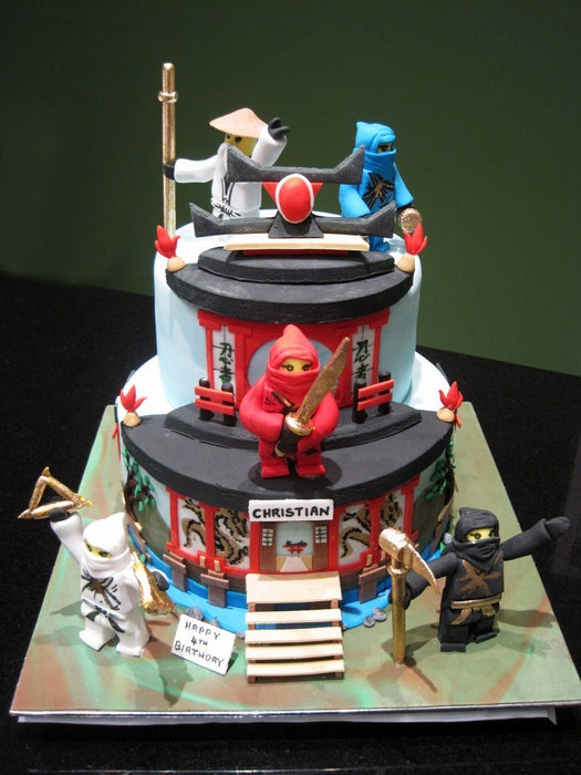 Ninjago Cake, decorate it like the dojo?