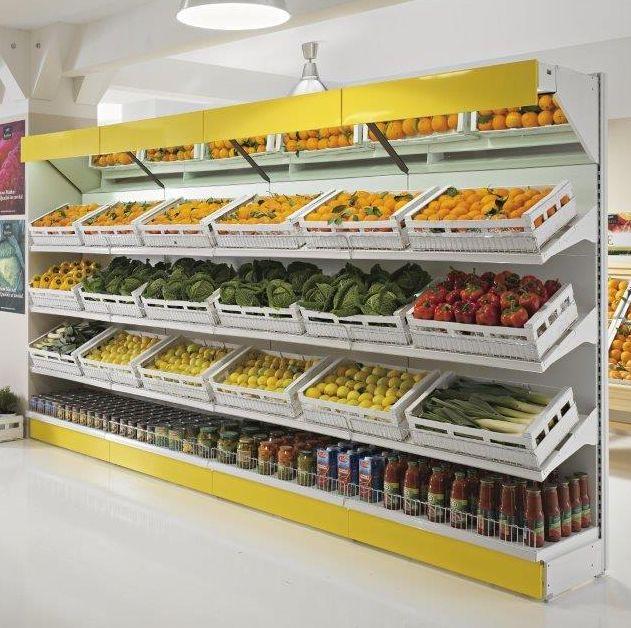 Realizziamo arredi per negozi di frutta e verdura con for Arredamento ortofrutta in legno