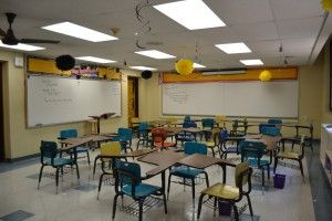 How I set up and decorated my middle school math classroom. You can download my classroom information packet and change it to your liking.