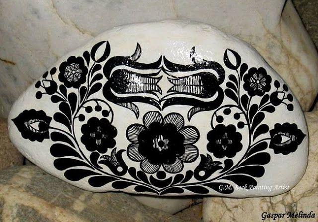 Artista transforma simples pedras em obras belíssimas - Chiado Magazine
