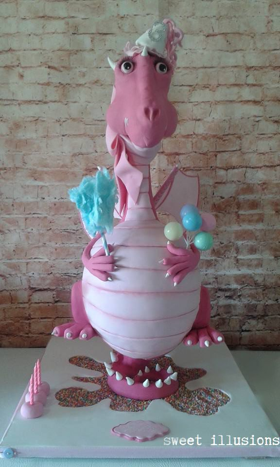 3D gravity defying dragon cake all edible!! Amazing work by my friend Voula Bourdantonakis