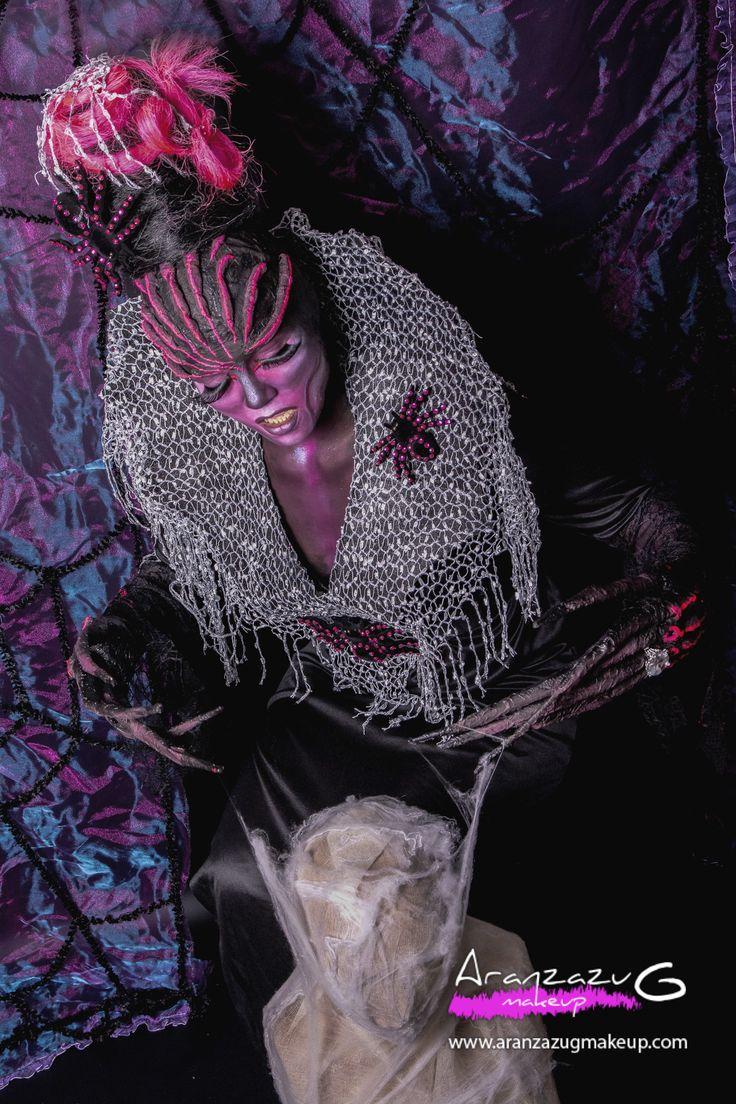 Maquillaje realizado con Aguacolor y pincel,Calva,Posticería cabello,prótesis de las manos,Estilismo realizados por Aranzazu G Make Up. Fotografía: Paola Canto. Modelo: Gemma García.