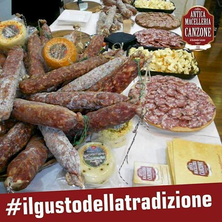 Nei nostri prodotti trovi passione competenza tradizione artigianalità ma soprattutto ... tanto gusto! #AnticaMacelleriaCanzone #Sicilia #salumi #taste #gusto #sapore