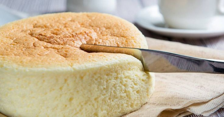Ruckzuck gebacken: Dieser japanische Käsekuchen besteht aus nur drei Zutaten und ist der Hit im Internet! Hier das Rezept.
