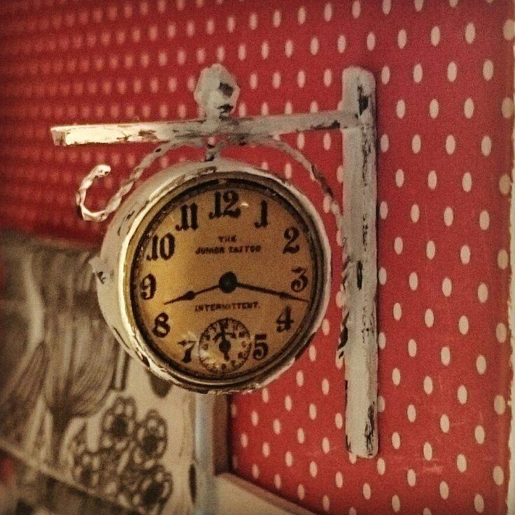 Dollhouse clock