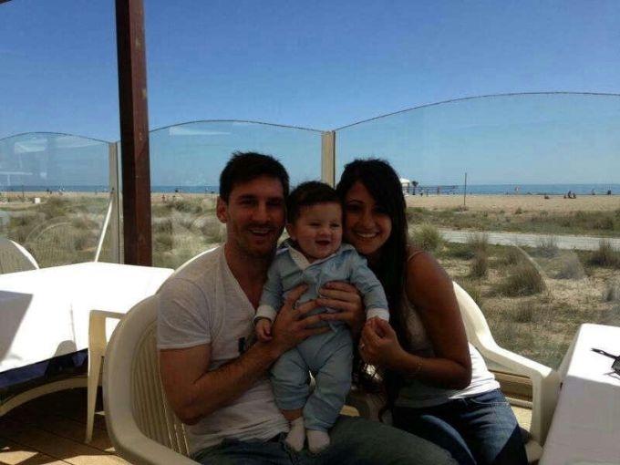 Lionel Messi presentó a su hijo, Thiago, a través de Facebook