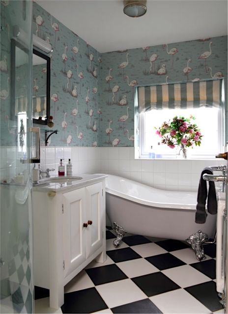 Small bathroom but still managed to shoehorn in a shower cubicle, slipper bath…