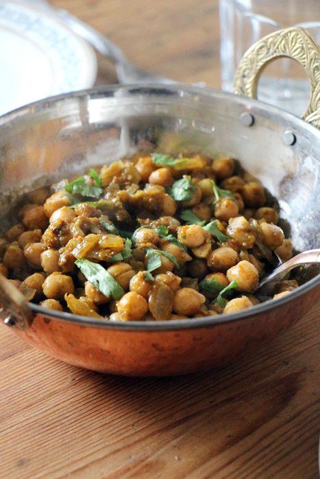 Kichererbsen in Koriandersauce (vegan und indisch)