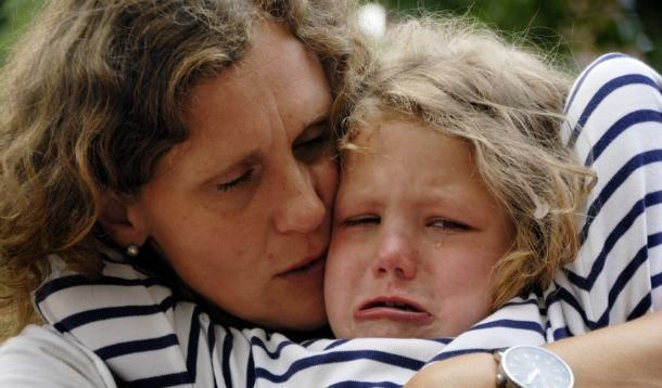 When our child hits us our instinctual defense system and intense emotions are triggered. You can reduce hitting behaviour with these ten steps.
