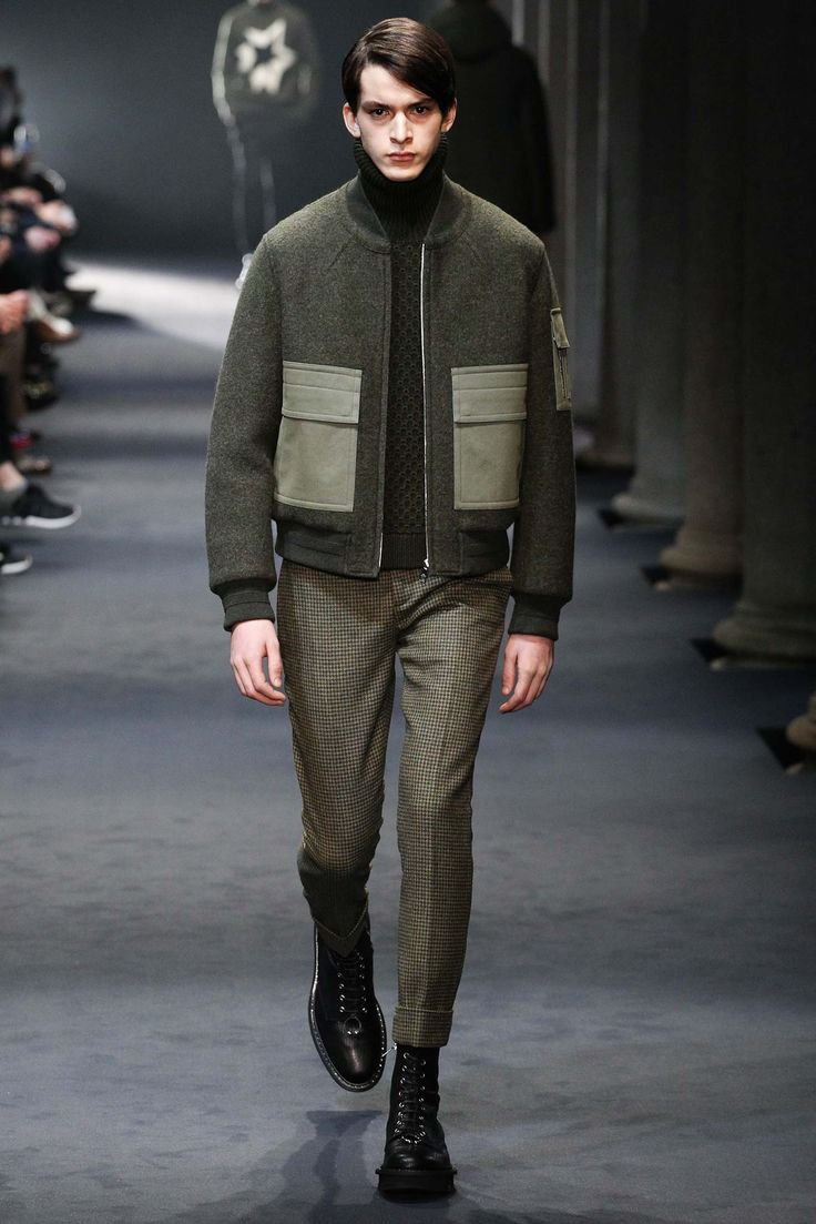 The clashing of textures and patterns   Neil Barrett - Fall 2015 Menswear - Look 4 of 42