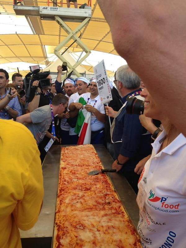 1595,45 #record #pizza #2015 #milano #italy expo2015  NOW #record #pizza #milano  #photo of your #pizza hashtag #Pizza4people   You are the star #Italy #expo2015 #yummy