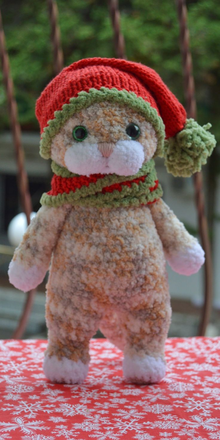 Cat figurine Amigurumi cat plush Lucky cat doll Calico Cat