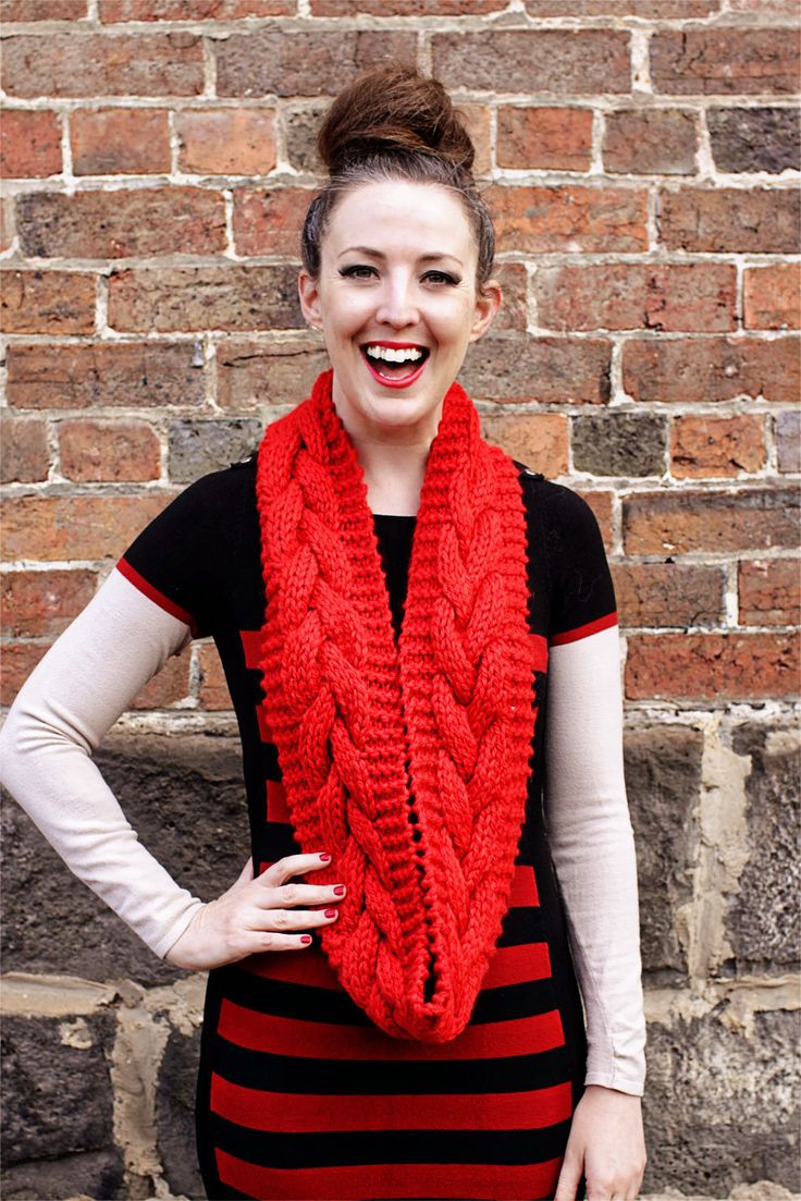 Chunky Cable Cowl - knitting pattern by JorthKnits on Etsy