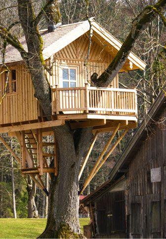 vivre perch construction de cabanes de luxe dans les. Black Bedroom Furniture Sets. Home Design Ideas