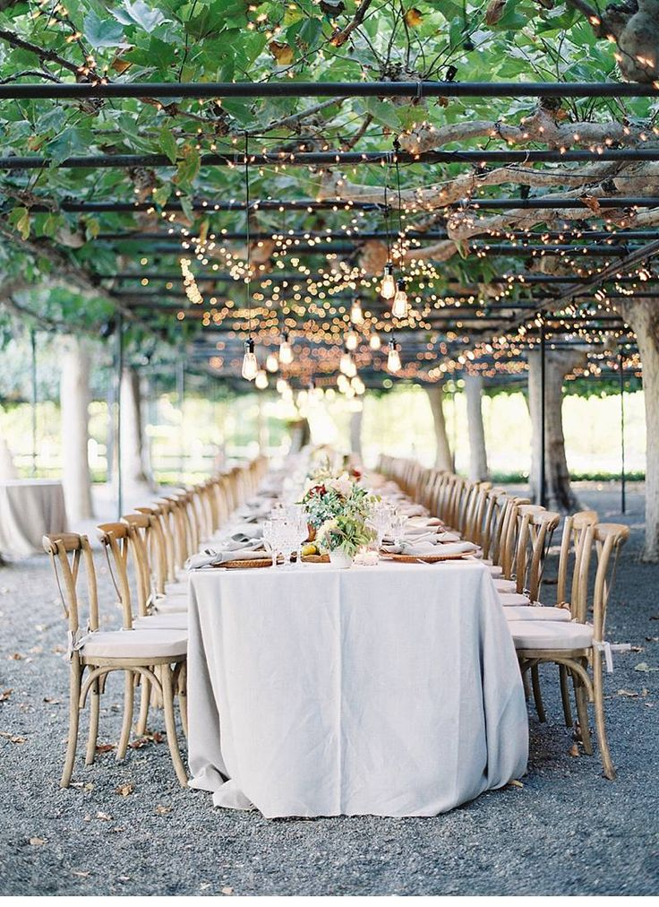 Wedding | Table | Inspiration | Garden | Cozy | More on Fashionchick.nl
