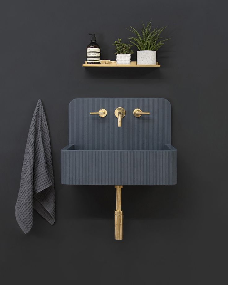 the collection features an existing alternative to traditional bathroom products with an original design.