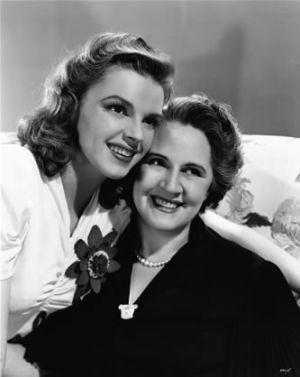 Judy Garland with her mother Ethel Gumm. (Photo:  Bettmann/CORBIS)