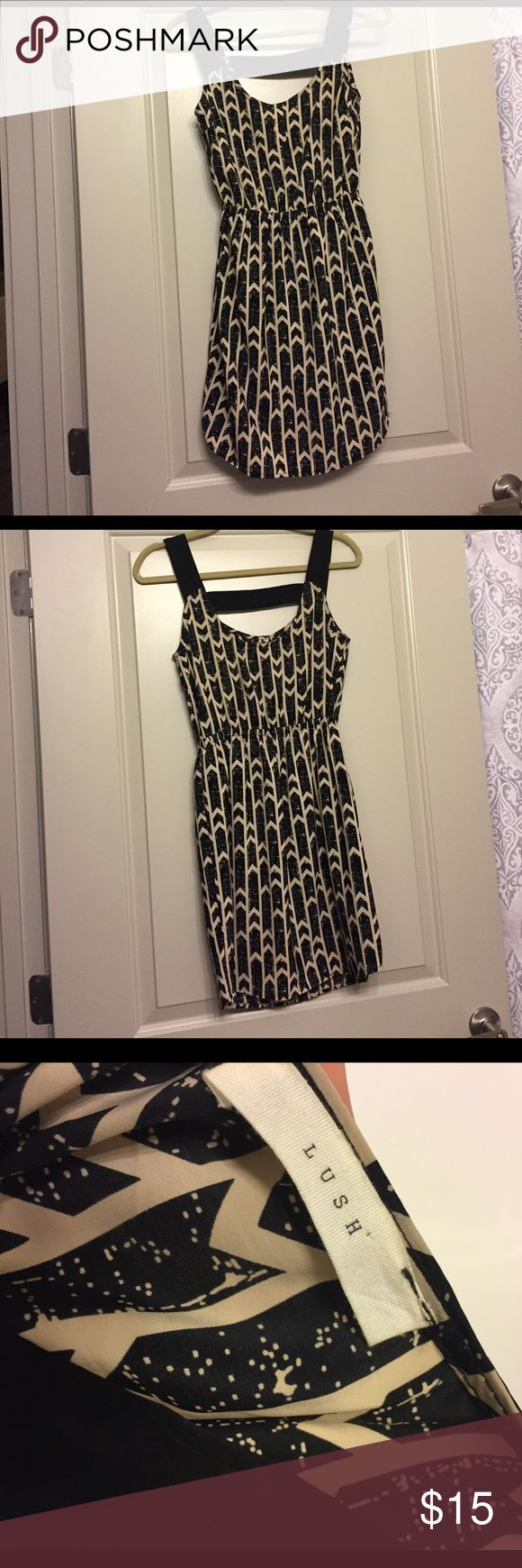 Black and cream summer dress Cute, breezy dress. Great for summer parties. Only won a couple times. Perfect condition. Francesca's Collections Dresses Midi