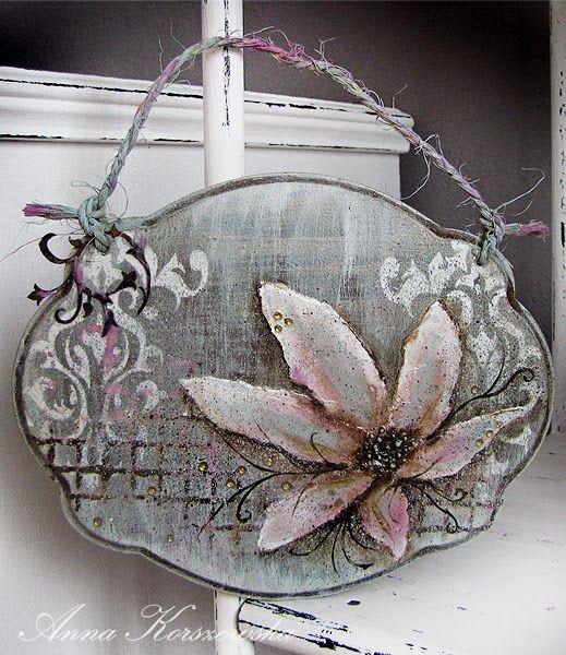 DIY - Pomysł na zawieszkę z kwiatem: http://annakorszewska.blogspot.com/2015/02/diy-pomys-na-zawieszke-z-kwiatem.html