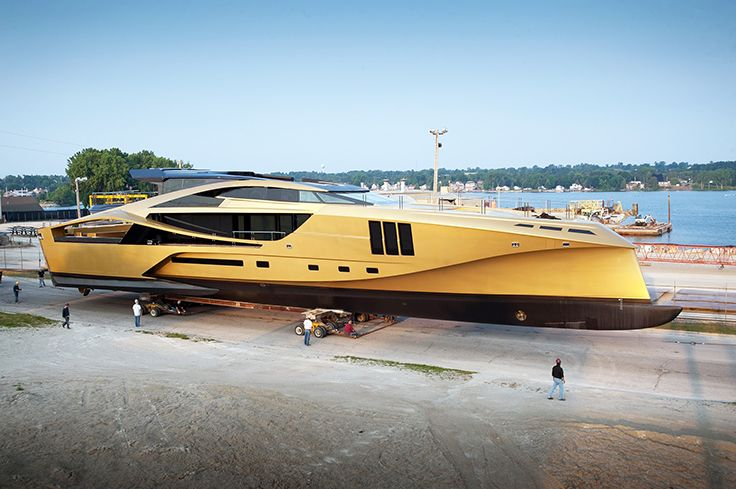 Palmer-Johnson-Yachts-Golden-48M-SuperSport2