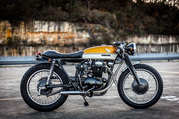 Honda CB350 1970 Cafe Racer. Gold Tank